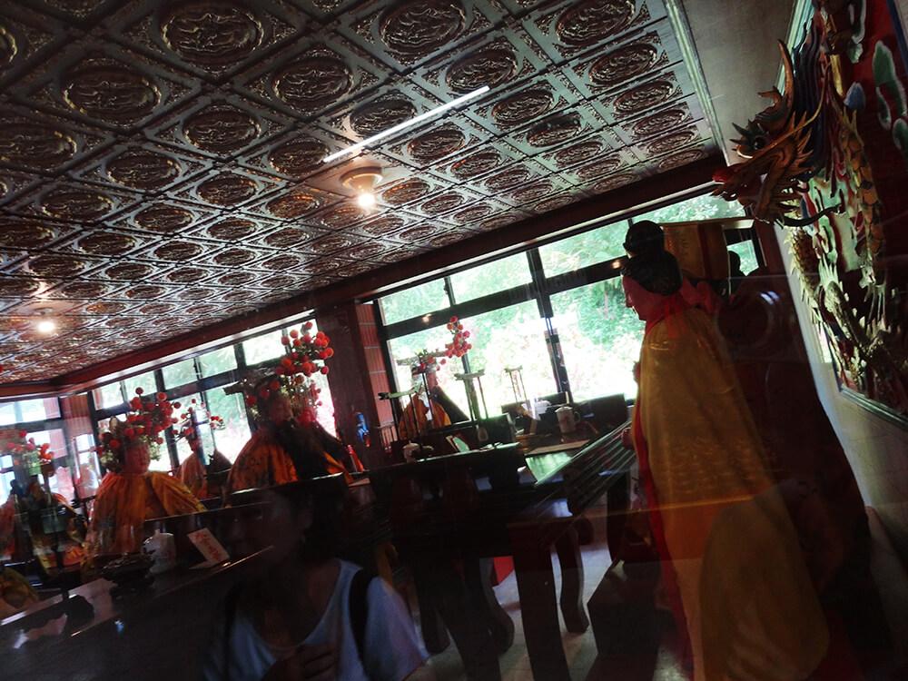 【台北:郊外】最北端のあらゆる神様がいるカオスなお寺「石門金剛宮」